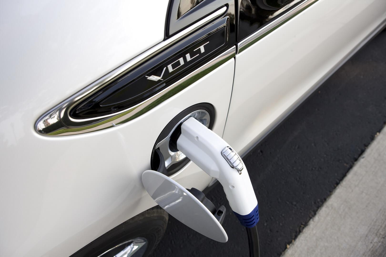 Фотография экоавто Chevrolet Volt 2011 - фото 46