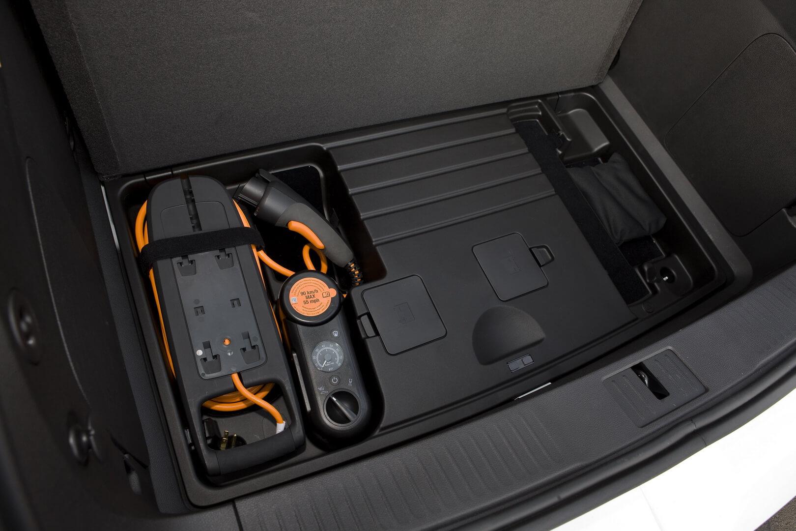 Фотография экоавто Chevrolet Volt 2011 - фото 69