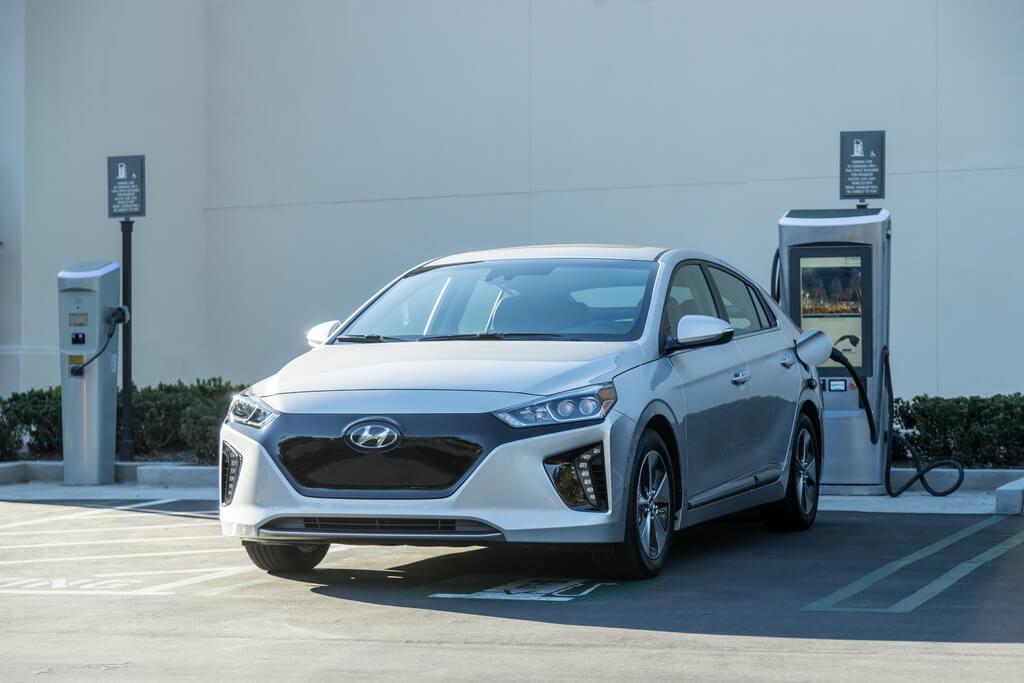 Самый энергоэффективный электромобиль Hyundai IONIQ Electric