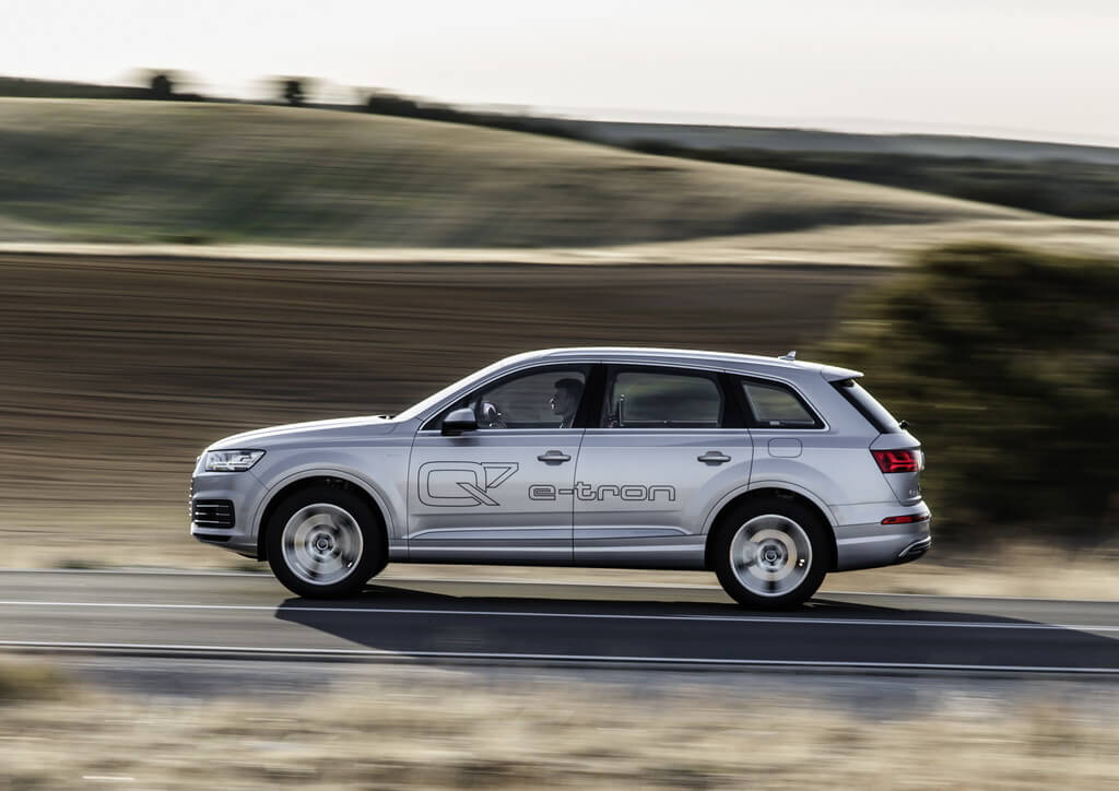 Фотография экоавто Audi Q7 e-tron Quattro - фото 20