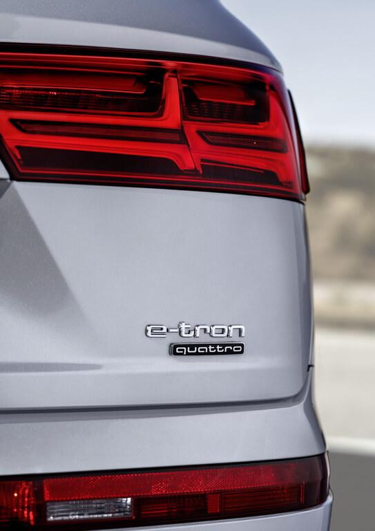 Фотография экоавто Audi Q7 e-tron Quattro - фото 25