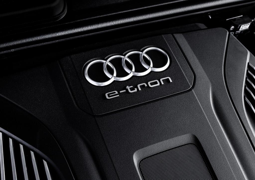 Фотография экоавто Audi Q7 e-tron Quattro - фото 41