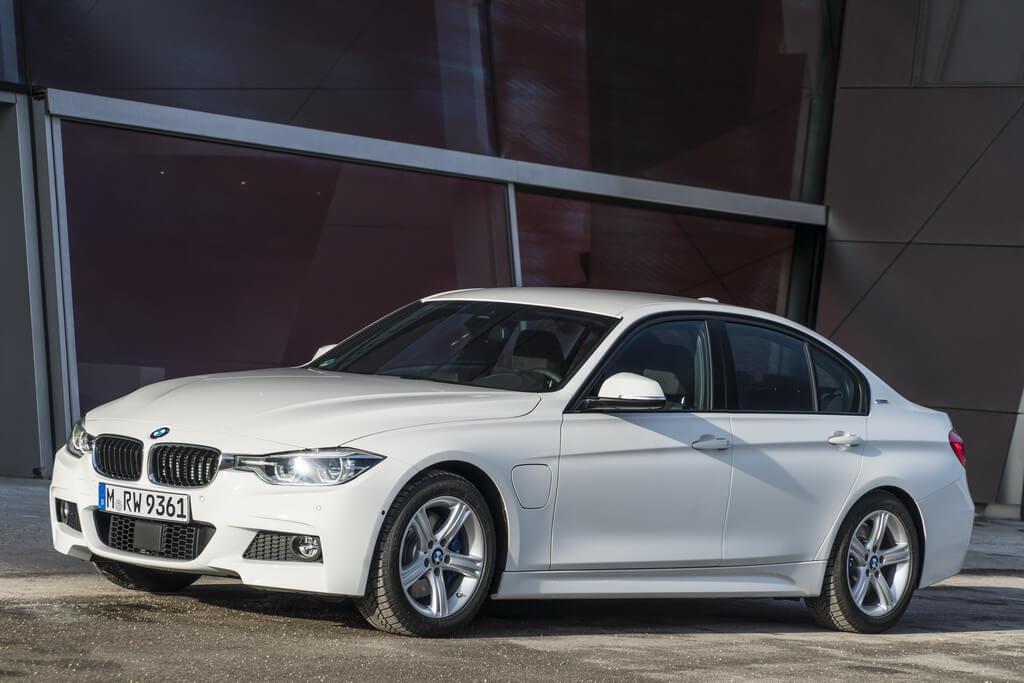 Фотография экоавто BMW 330e iPerformance