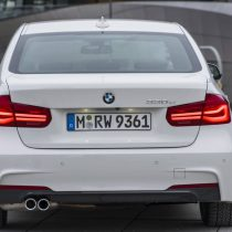 Фотография экоавто BMW 330e iPerformance - фото 2