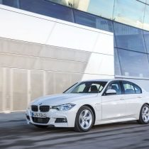 Фотография экоавто BMW 330e iPerformance - фото 6