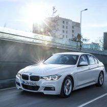 Фотография экоавто BMW 330e iPerformance - фото 8