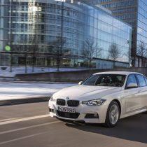 Фотография экоавто BMW 330e iPerformance - фото 10