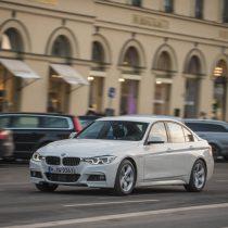 Фотография экоавто BMW 330e iPerformance - фото 13