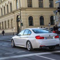 Фотография экоавто BMW 330e iPerformance - фото 15