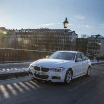 Фотография экоавто BMW 330e iPerformance - фото 16