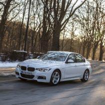 Фотография экоавто BMW 330e iPerformance - фото 17