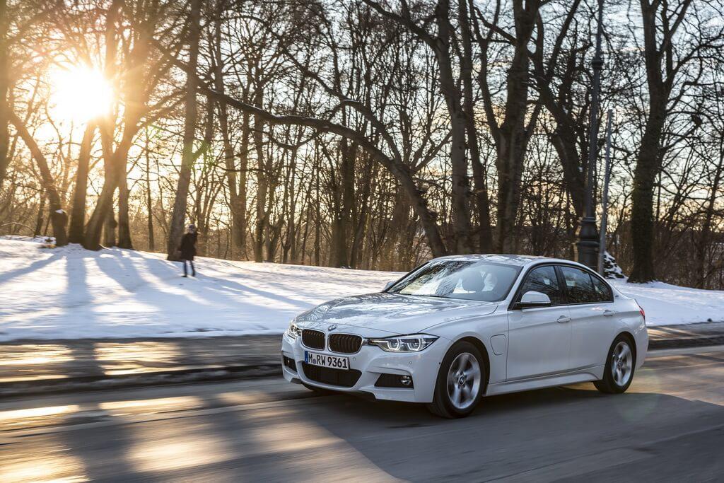 Фотография экоавто BMW 330e iPerformance - фото 18