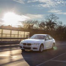 Фотография экоавто BMW 330e iPerformance - фото 19