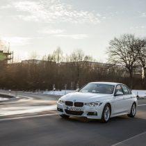 Фотография экоавто BMW 330e iPerformance - фото 20