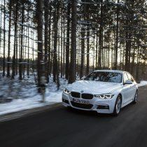 Фотография экоавто BMW 330e iPerformance - фото 22