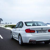 Фотография экоавто BMW 330e iPerformance - фото 26