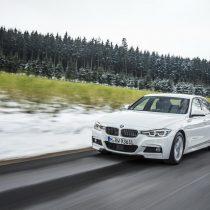 Фотография экоавто BMW 330e iPerformance - фото 30