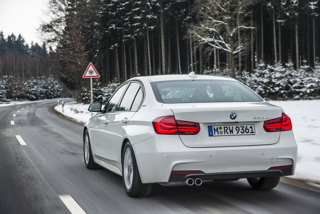 Фотография экоавто BMW 330e iPerformance - фото 31