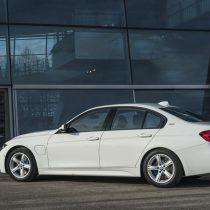 Фотография экоавто BMW 330e iPerformance - фото 42