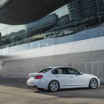 Фотография экоавто BMW 330e iPerformance - фото 43