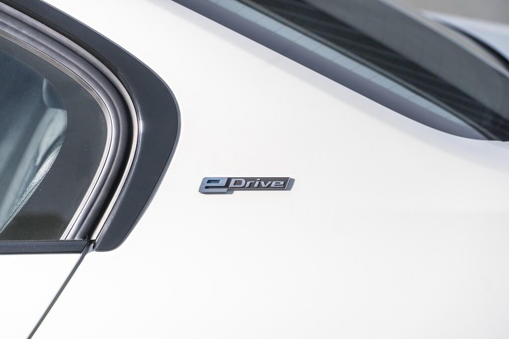 Фотография экоавто BMW 330e iPerformance - фото 45