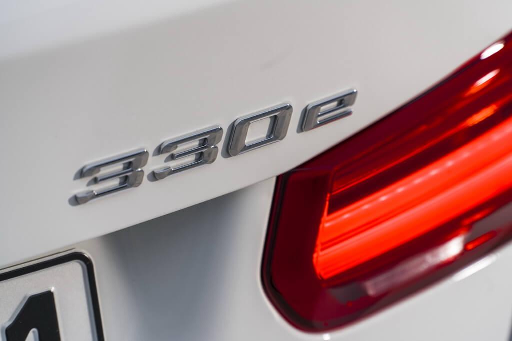 Фотография экоавто BMW 330e iPerformance - фото 47