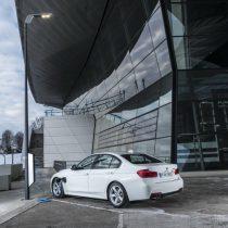 Фотография экоавто BMW 330e iPerformance - фото 49