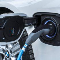 Фотография экоавто BMW 330e iPerformance - фото 50