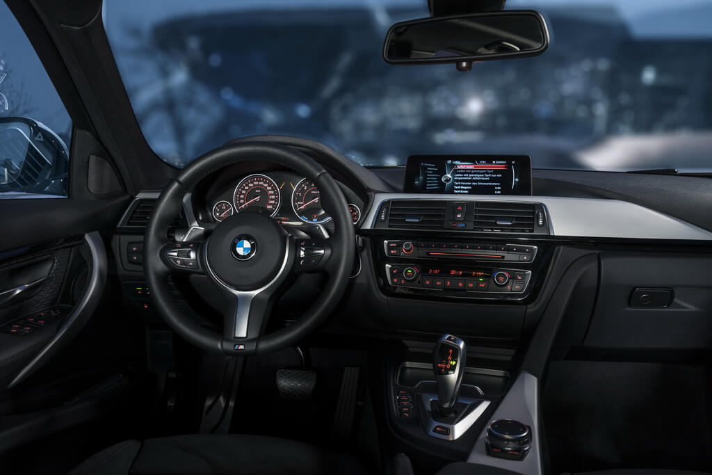 Фотография экоавто BMW 330e iPerformance - фото 54