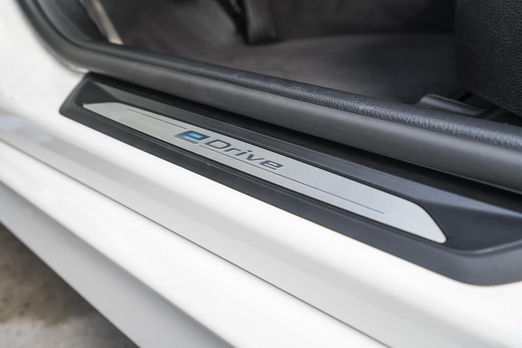 Фотография экоавто BMW 330e iPerformance - фото 66