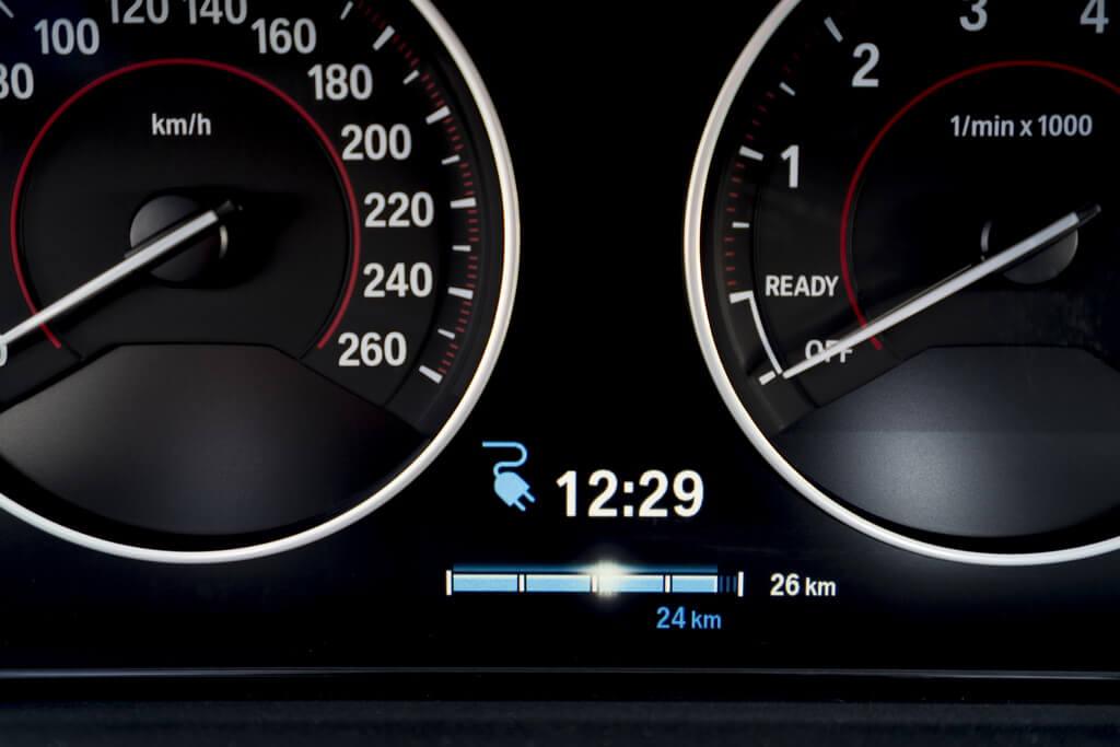 Фотография экоавто BMW 330e iPerformance - фото 67