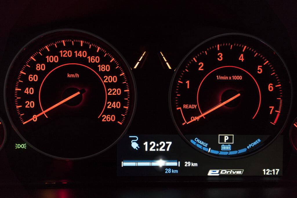 Фотография экоавто BMW 330e iPerformance - фото 68