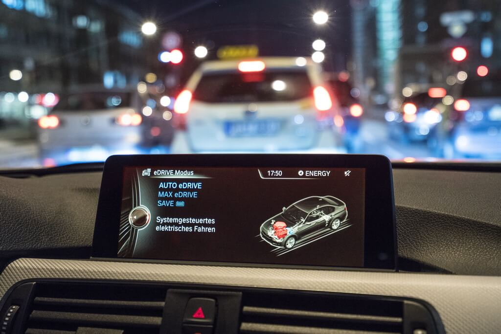 Фотография экоавто BMW 330e iPerformance - фото 72