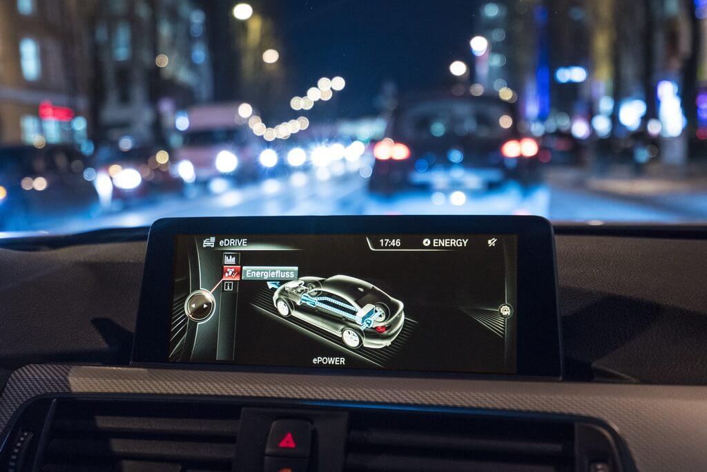 Фотография экоавто BMW 330e iPerformance - фото 75