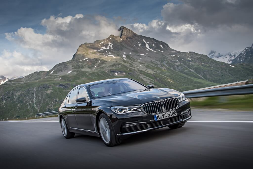 Фотография экоавто BMW 740e xDrive iPerformance - фото 3