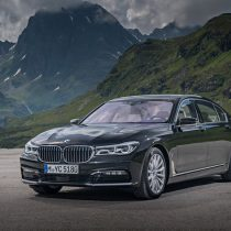 Фотография экоавто BMW 740e xDrive iPerformance - фото 5