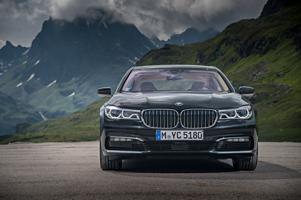 Фотография экоавто BMW 740e xDrive iPerformance - фото 6