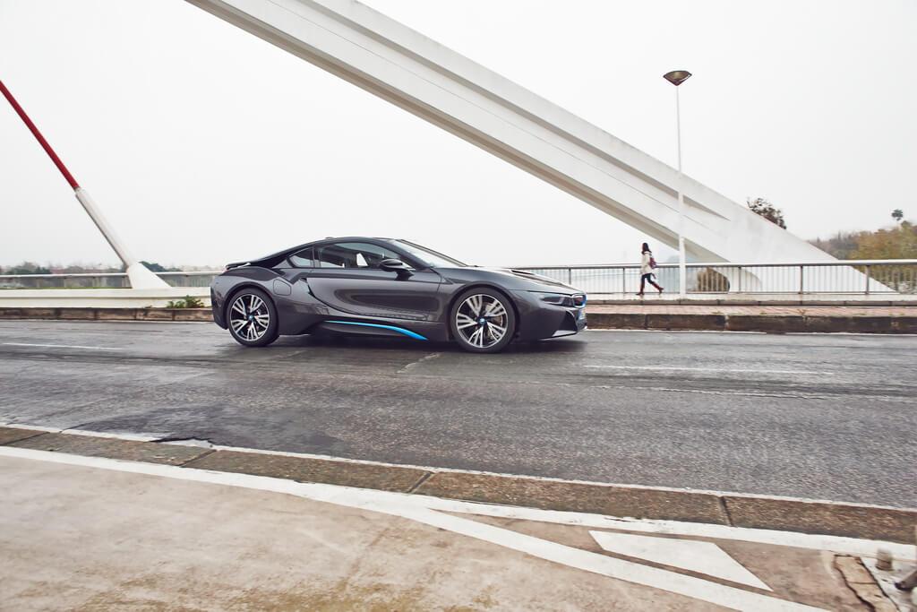 Фотография экоавто BMW i8 - фото 30