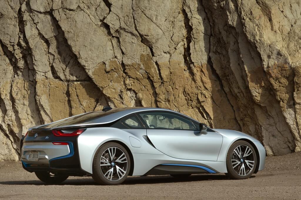 Фотография экоавто BMW i8 - фото 92