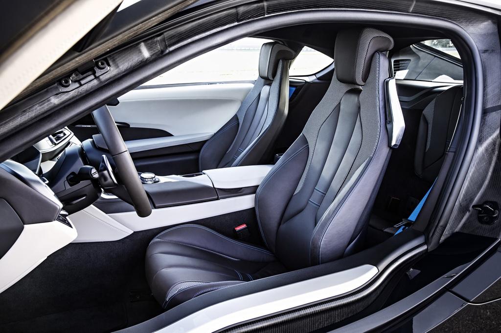 Фотография экоавто BMW i8 - фото 119
