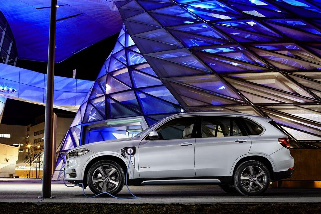 Фотография экоавто BMW X5 xDrive40e - фото 10