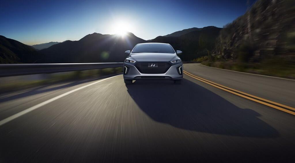 Фотография экоавто Hyundai Ioniq Hybrid - фото 17