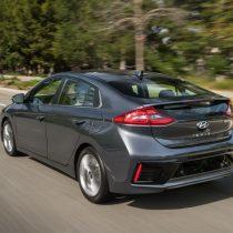 Фотография экоавто Hyundai Ioniq Hybrid - фото 22