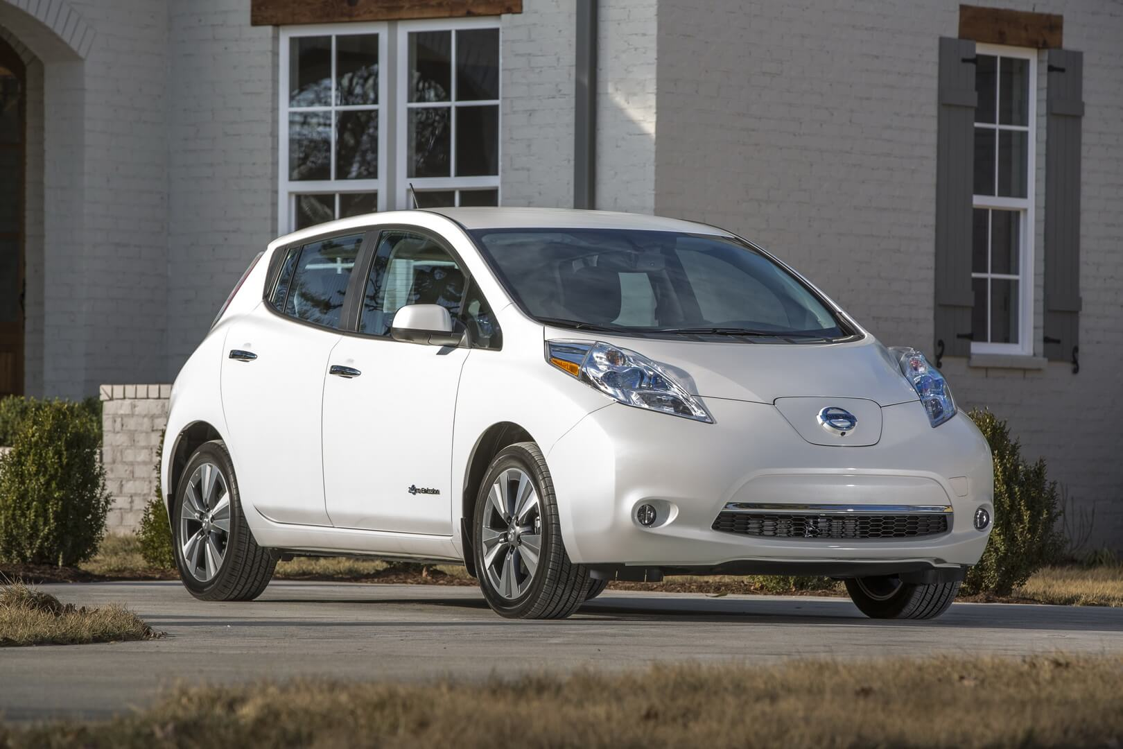 Фотография экоавто Nissan Leaf 2016 (24-30 кВт•ч)
