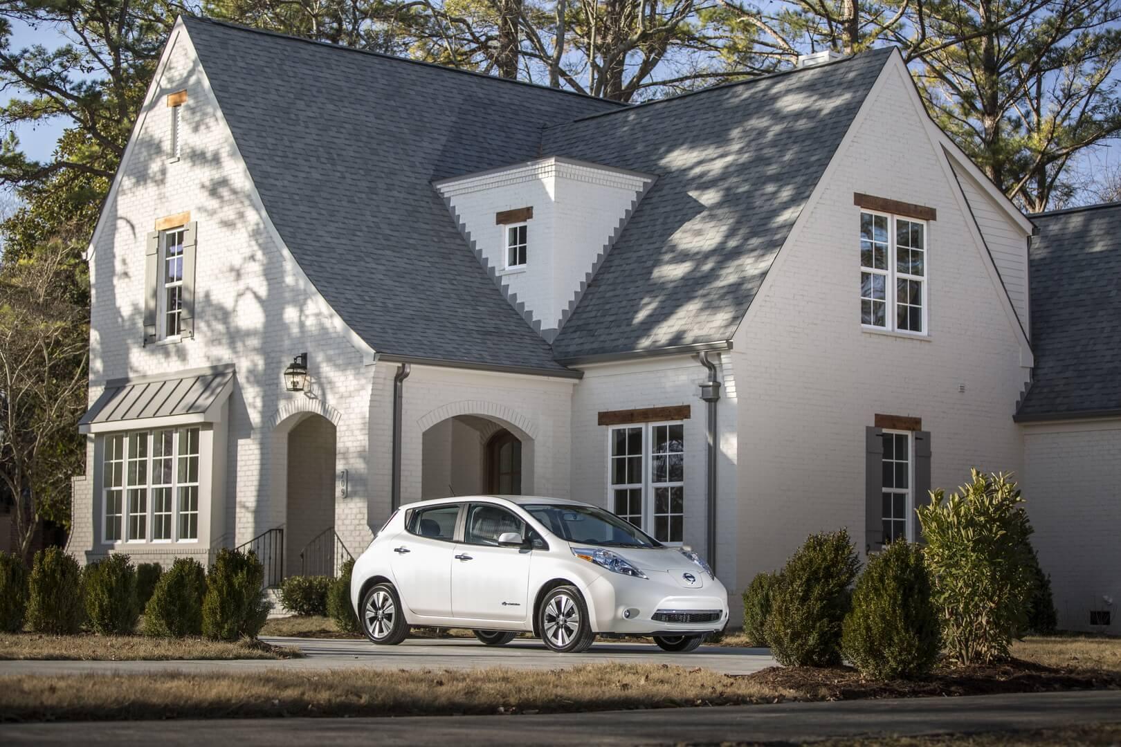 Фотография экоавто Nissan Leaf 2016 (24-30 кВт•ч) - фото 4