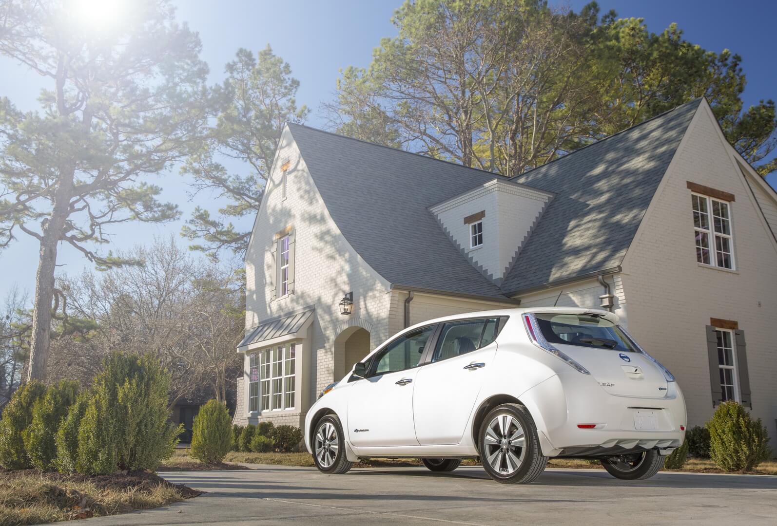 Фотография экоавто Nissan Leaf 2016 (24-30 кВт•ч) - фото 7
