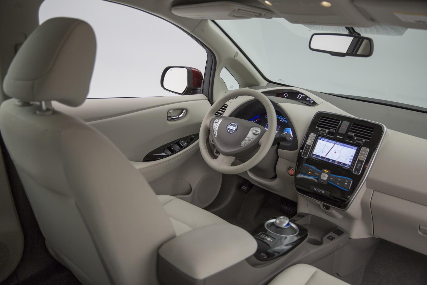 Фотография экоавто Nissan Leaf 2016 (24-30 кВт•ч) - фото 28