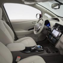 Фотография экоавто Nissan Leaf 2016 (24-30 кВт•ч) - фото 32
