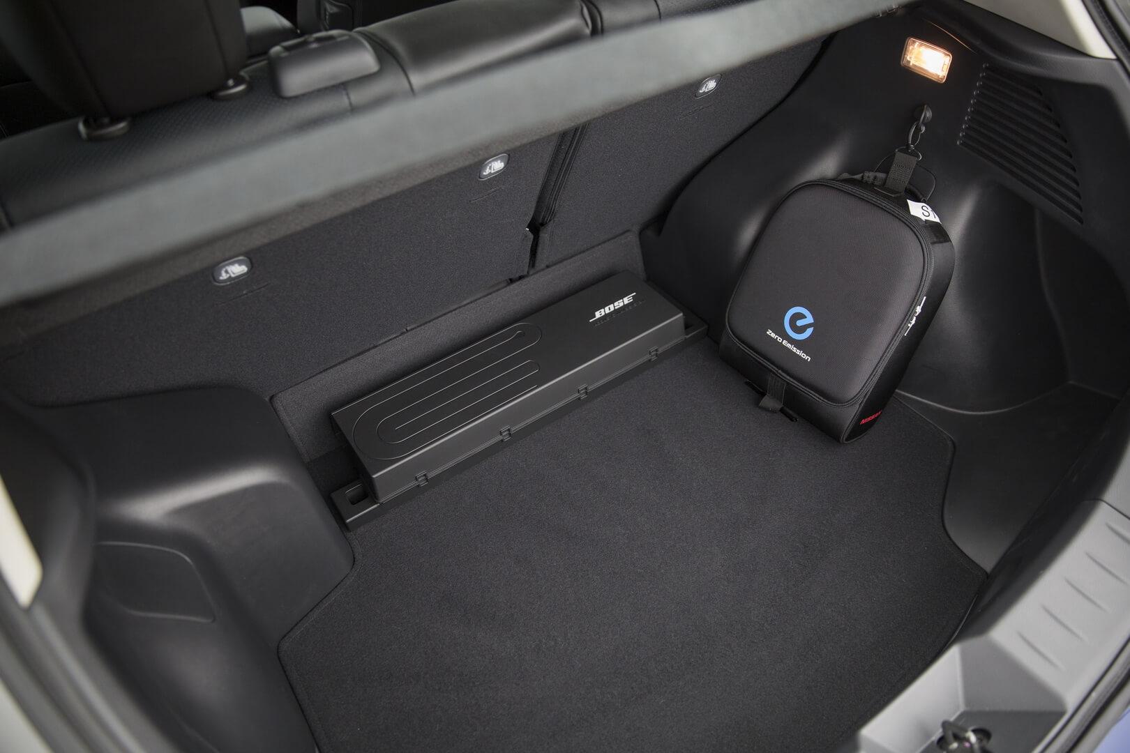Багажник Nissan Leaf первого поколения