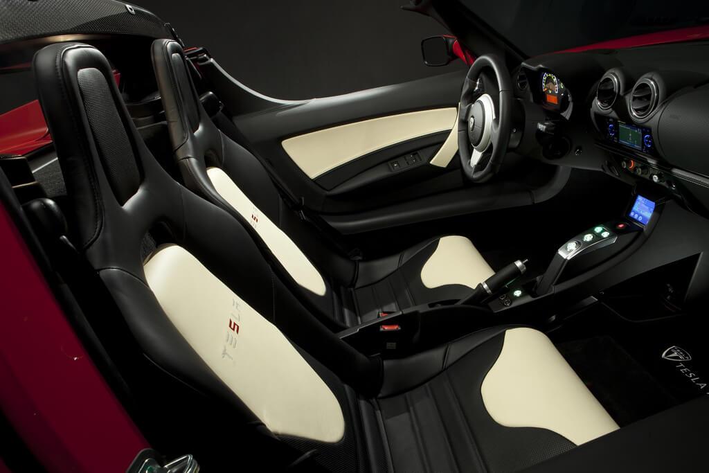 Фотография экоавто Tesla Roadster 2.5 2012 - фото 9
